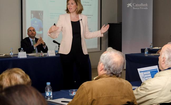 Caixabank analiza con accionistas valencianos el contexto económico