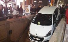 Esto es lo que ocurre cuando confundes la entrada del metro con la de un parking