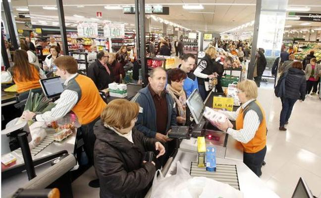 Mercadona capta uno de cada cuatro euros que gastan los consumidores españoles