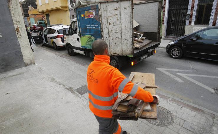 Fotos de la recogida de basura en el Cabanyal