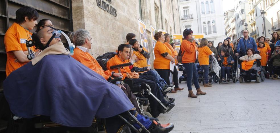 La lista de espera en dependencia sigue atascada después de un año