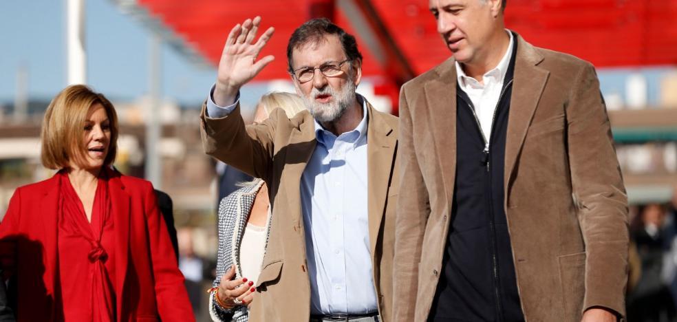 Rajoy pide que cese la fuga de empresas y se consuman productos de Cataluña