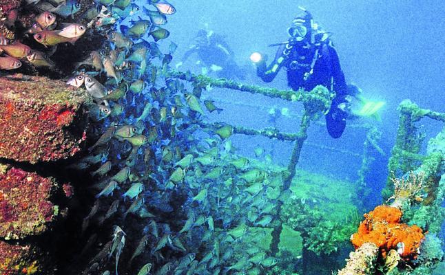 Profanación en el mar de Java