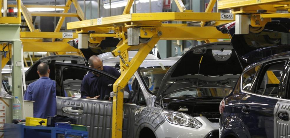 El retraso de Ford para renovar el Kuga en Almussafes inquieta a la automoción valenciana