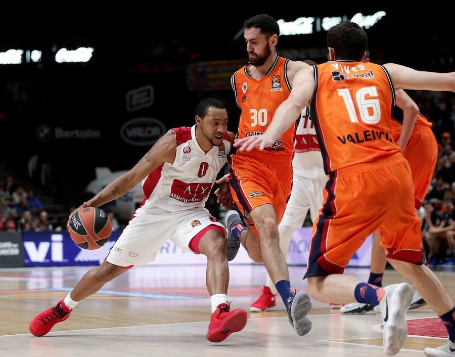 Fotos del choque entre el Valencia Basket y el Armani Milan