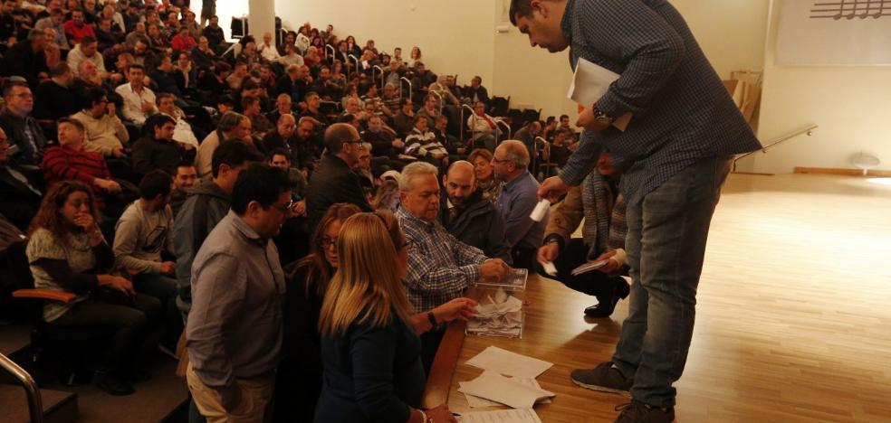 Los presidentes ratifican por amplia mayoría su negativa al congreso fallero