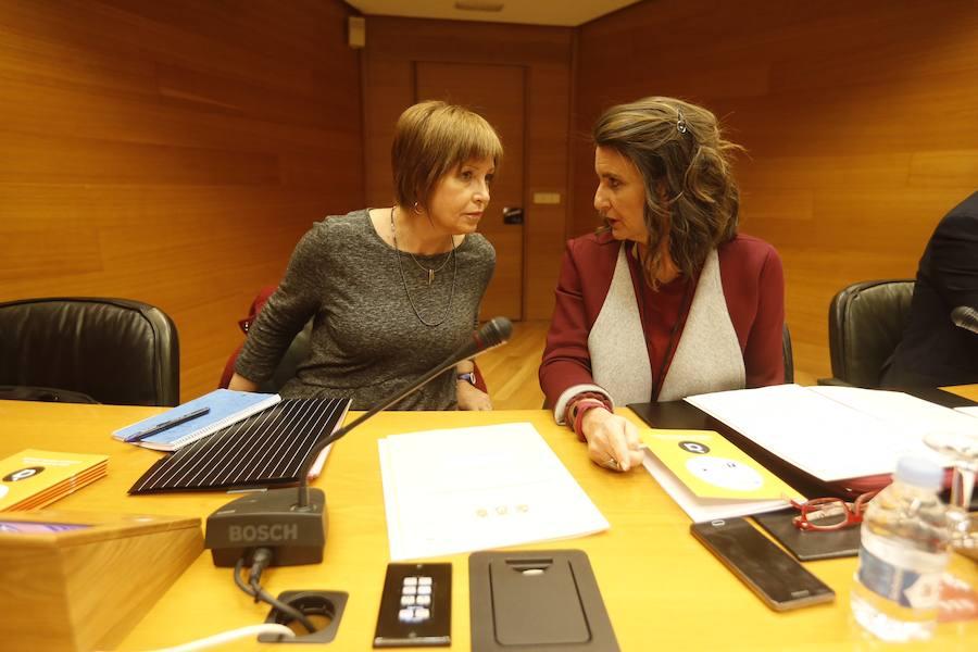 Fotos de Empar Marco en Les Corts para explicar la puesta en marcha de À Punt