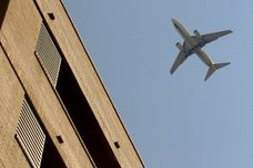 Xirivella exige a Aena que insonorice las casas afectadas por nuevas rutas del aeropuerto de Valencia