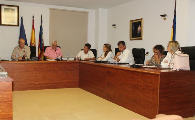 La oposición denuncia la «dejadez» en el cobro de las multas en Benitatxell