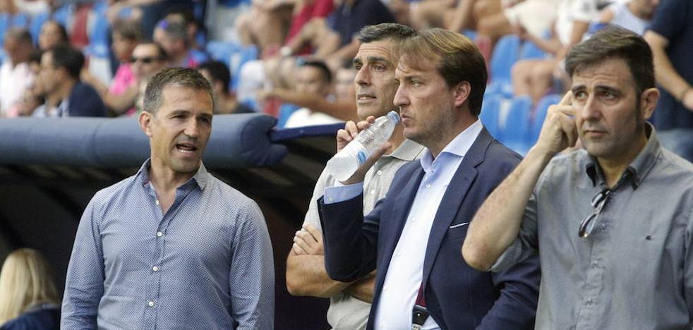 Quico Catalán presencia el entrenamiento en Buñol, ya con Unal incorporado