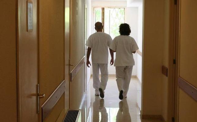 Sanidad convoca plazas para los celadores suspendidos en unas oposiciones de 2007