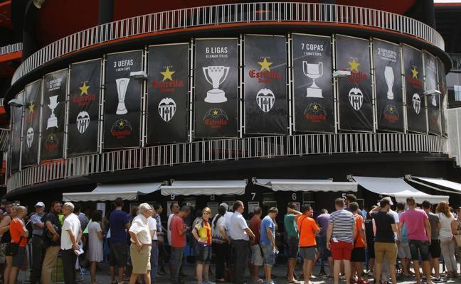 A la venta hoy 8.000 entradas para el Valencia-Barça