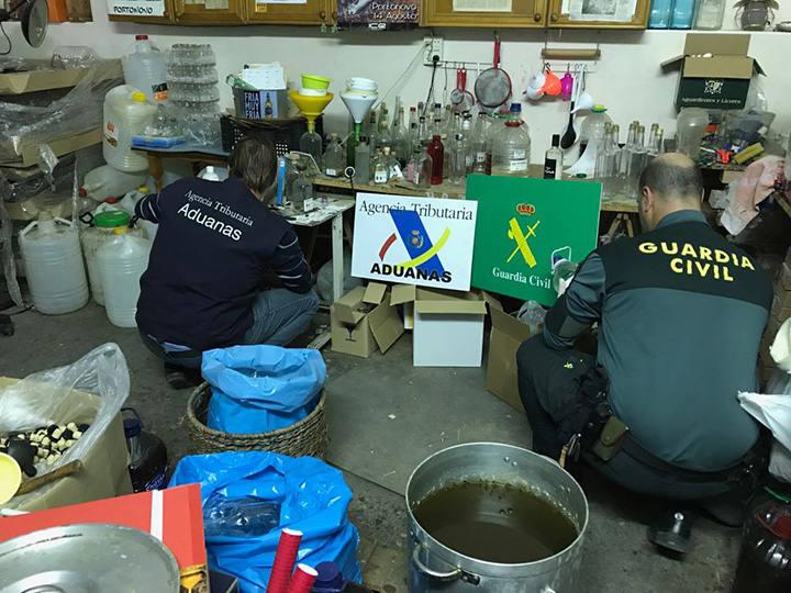 Desmantelada una destilería ilegal de aguardientes en Alboraya