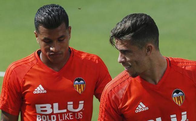 Precaución con los tres centrales del Valencia CF