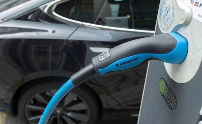 Las ayudas del plan Movalt para comprar un coche ecológico: ¿Cuánto dinero me puedo ahorrar?