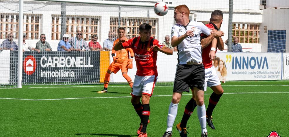 El Ontinyent CF, al asalto de los puestos de promoción en Segunda B