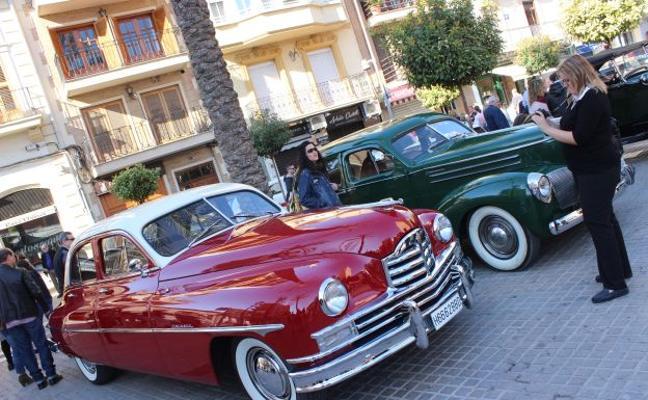 Concentración de coches clásicos en Torrent