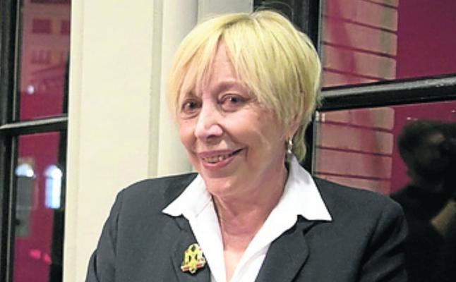 Rosa María Sardà devolvió la Cruz de Sant Jordi