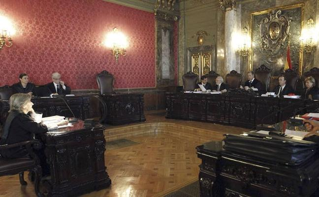La Audiencia de Castellón anula una cláusula bancaria por el tamaño «minúsculo» de la letra pequeña del contrato