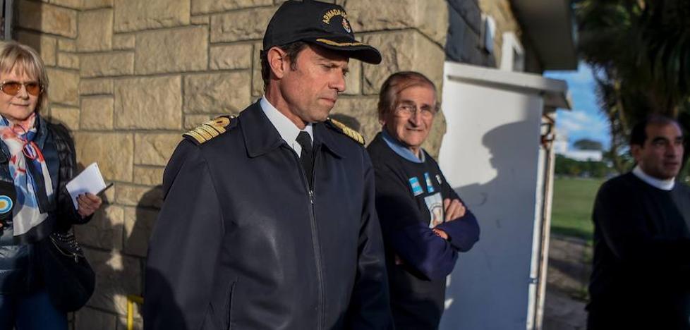 Sin señales de submarino argentino perdido en medio de temporal en Atlántico Sur