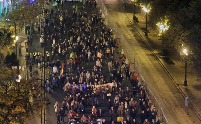 La marcha por la financiación no cumple las expectativas de Puig y Oltra