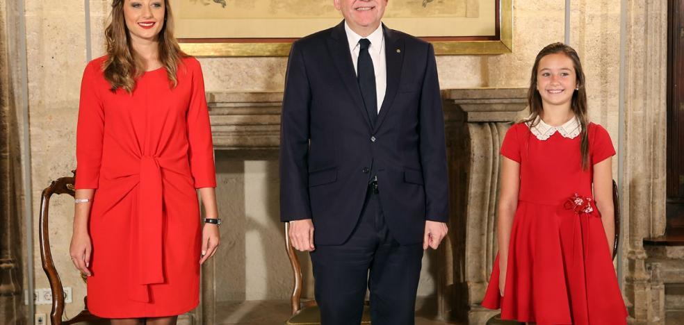 El president Ximo Puig recibe a Rocío Gil y Daniela Gómez