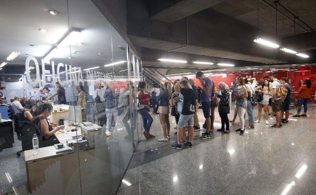Metro y tranvía mantienen la huelga pese a la contratación de 25 maquinistas