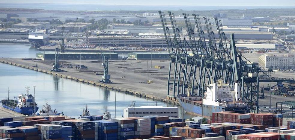 El déficit comercial se dispara un 40% hasta el tercer trimestre