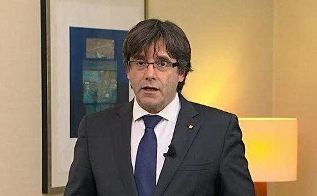 Puigdemont: «La República no se construye en dos días ni tampoco se destruye a golpes de porra»