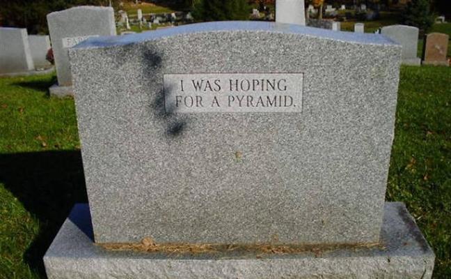Lápidas que se convirtieron en virales por plasmar todo el humor que tenían los fallecidos