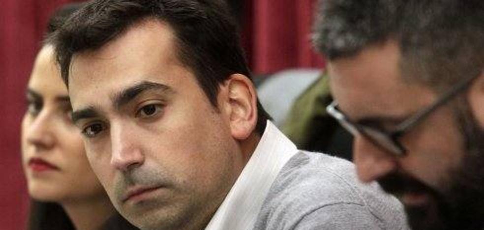 Fuset nombra asesor al secretario general de la Junta Central Fallera cesado por las normas de vestimenta de la corte