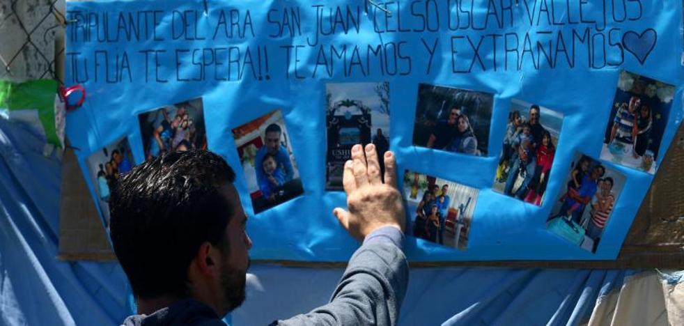 Las familias de los tripulantes del 'San Juan' siguen buscando respuestas