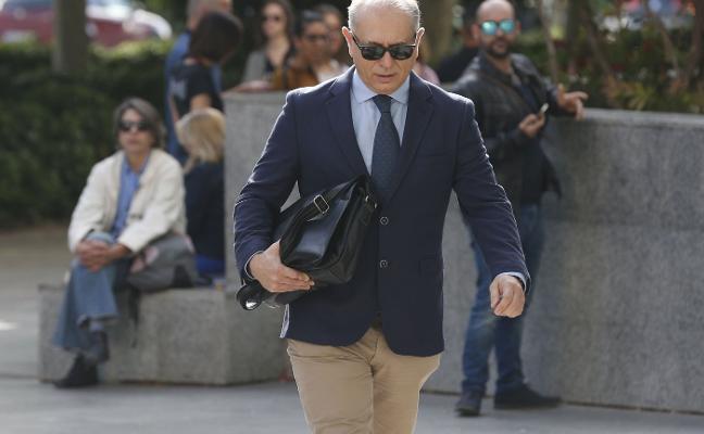 Crespo dice a la Audiencia que debe 150.000 euros de pensión a sus hijos