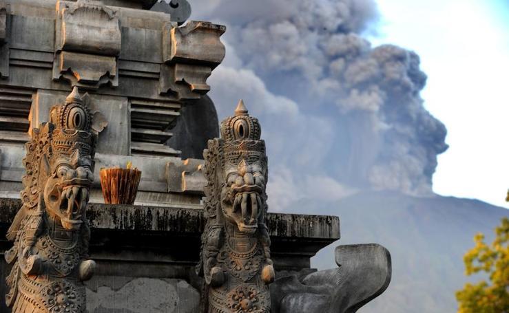 El volcán Agung amenaza Bali