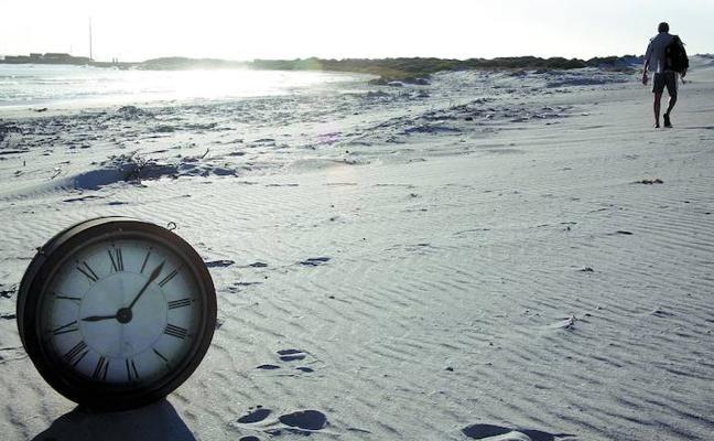 «Vivimos en un horario que no corresponde y esa anomalía tiene un impacto en la salud»