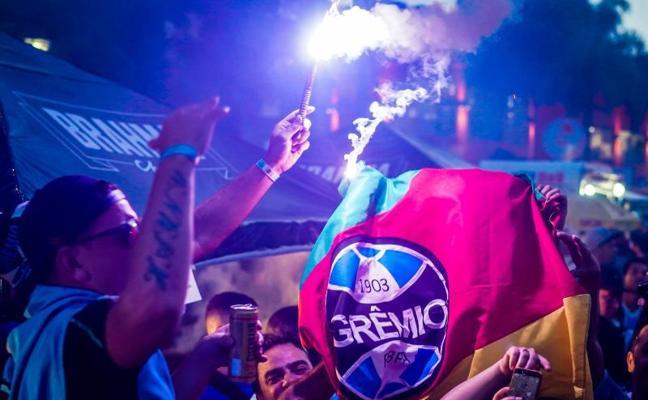 Gremio es rey de América por tercera vez al vencer a Lanús en Argentina