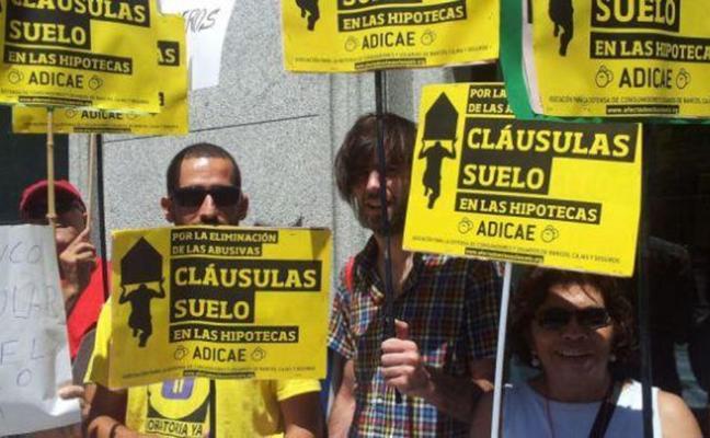 La banca rechaza más de la mitad de las peticiones para devolver las cláusulas suelo