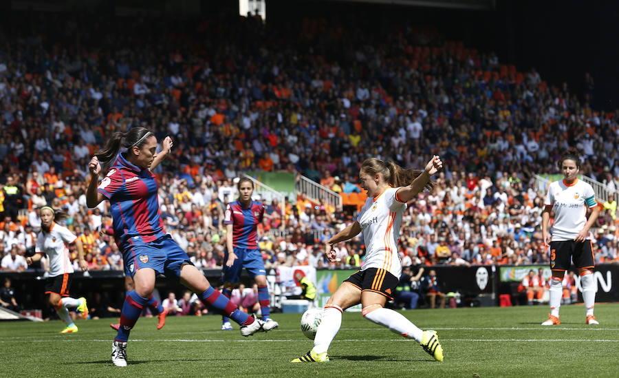 El derbi femenino entre Valencia CF y el Levante UD sale de Mestalla y vuelve a Paterna