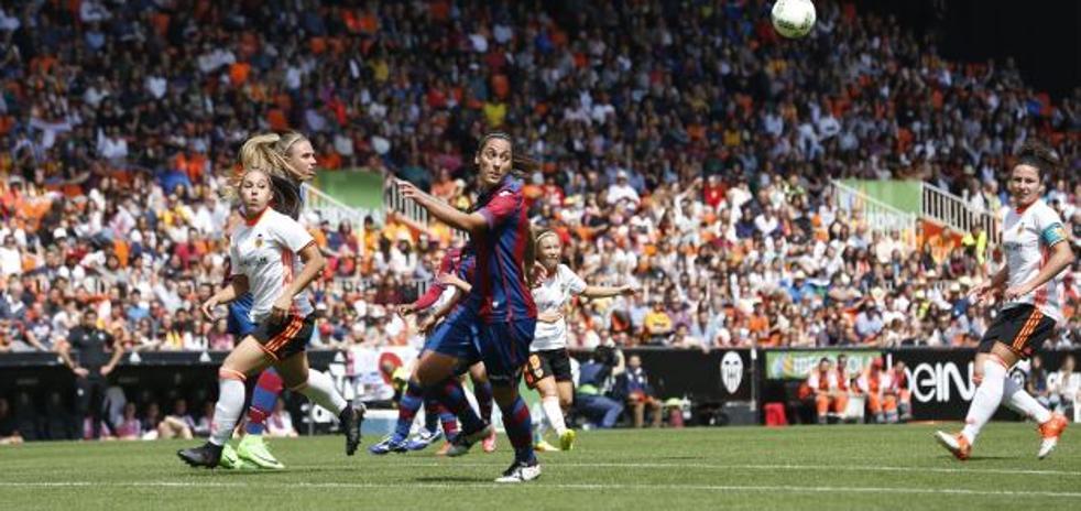Mónica Oltra quiere que el Valencia CF Femenino juegue en Mestalla
