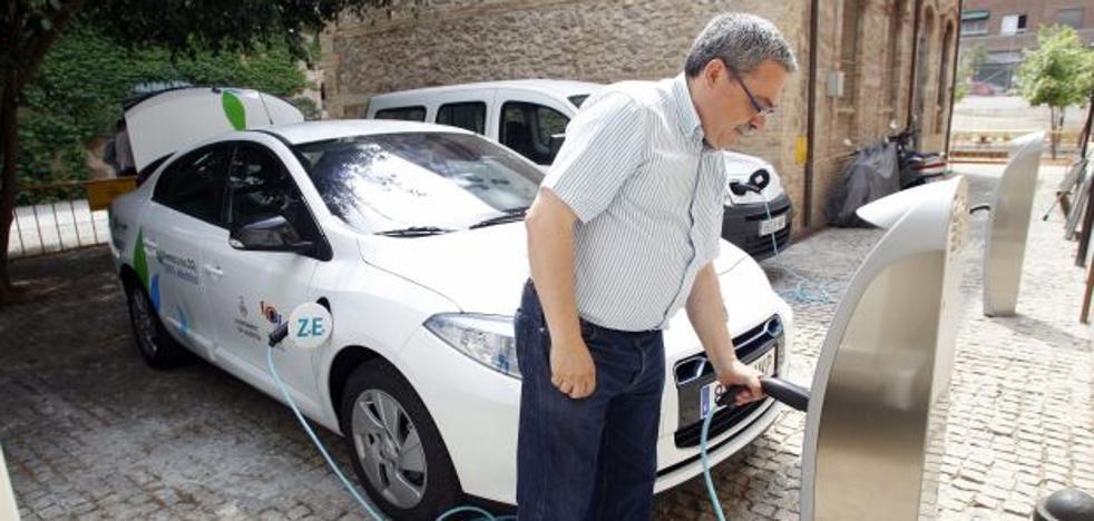 ¿Cuántos vehículos híbridos y eléctricos se han matriculado en el último año en la Comunitat Valenciana?