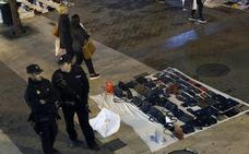 Los manteros, el azote del comercio en Valencia