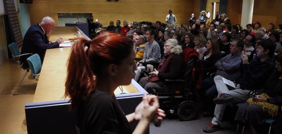 Los discapacitados llevarán ante el juez los transportes, edificios y servicios inaccesibles