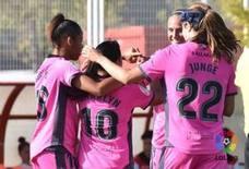 El Levante femenino sufre para ganar al Athletic con un triplete de Charlyn Corral