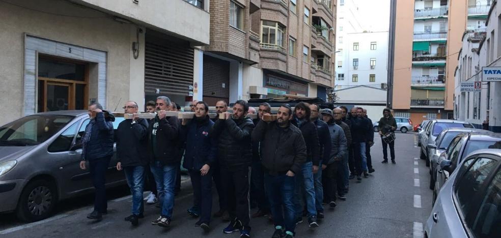La marcha más solidaria de los portadores del Sepulcro