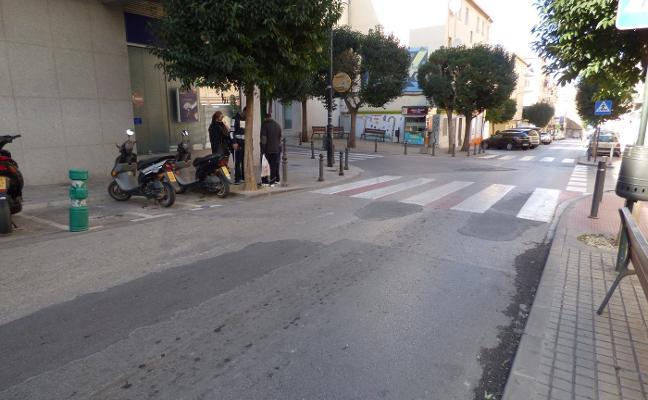 Trabajos de asfaltado en la avenida Vila de Sueca