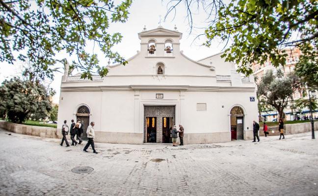 La 'tabalà' de Santa Lucía, folclore y devoción en pleno centro de Valencia