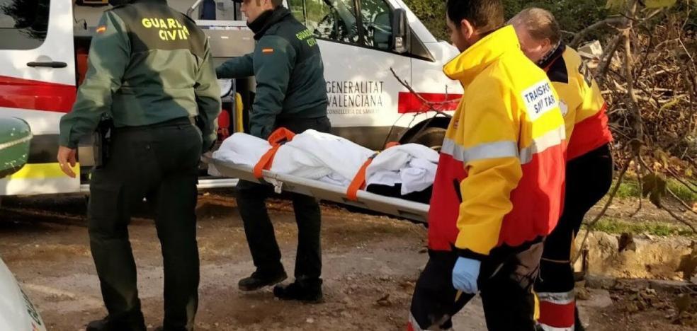 Rescatan a una anciana tras pasar la noche al raso en un campo de naranjos de El Puig