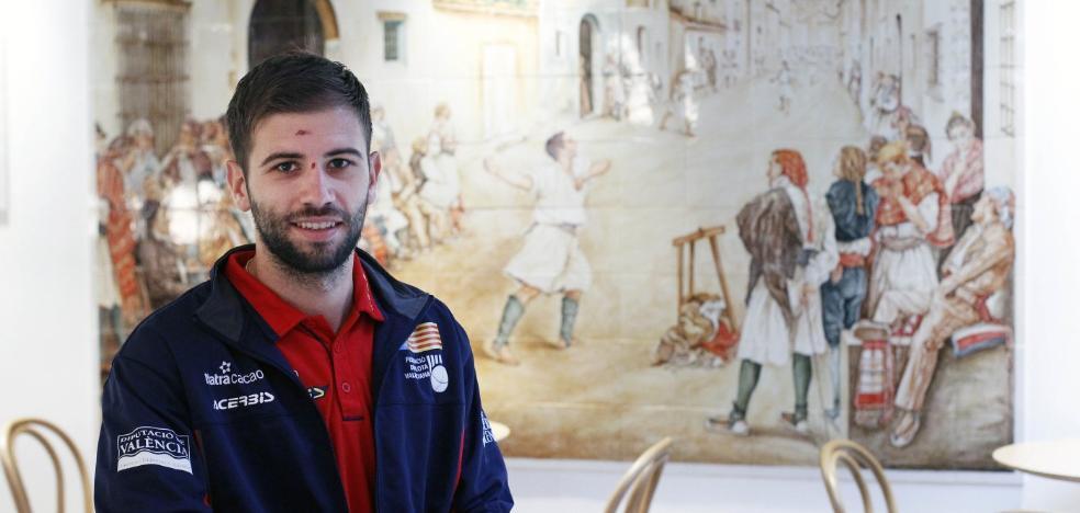 «La pilota enamoró en el Mundial pero el trinquet es más espectacular»