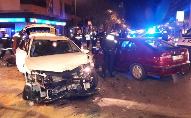Un conductor ebrio causa dos accidentes con cinco heridos en Valencia