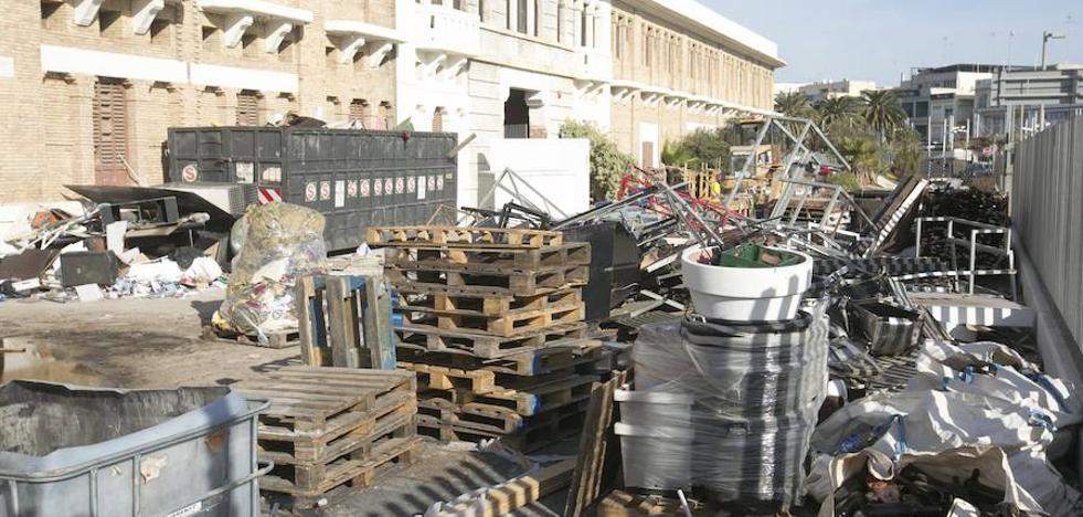 Operación limpieza en los Docks antes de entregar el edificio para la Marina
